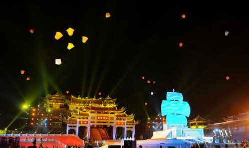 舞美灯光设计之央视中秋晚会灯光将祖庙山与舞台融为一体